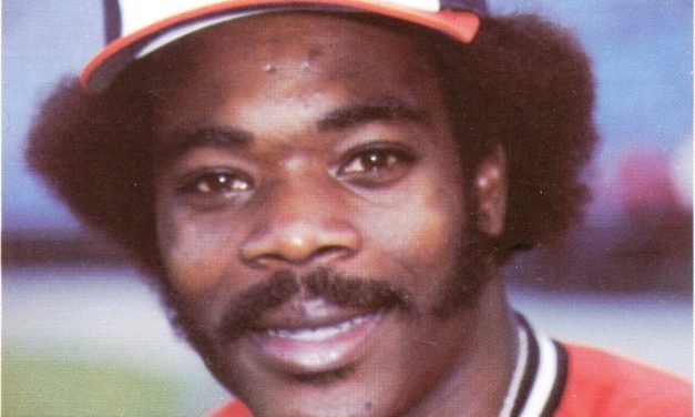 You Can Tell This Eddie Murray Baseball Card Is Fake … Because He's Smiling