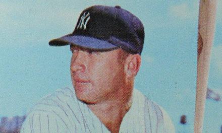 1968 Topps Mickey Mantle Baseball Card: Sylin' in Burlap
